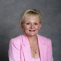 Elaine Carbines Member for Geelong 1999 - 2006