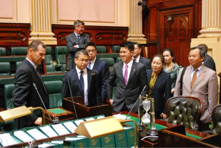 ASEAN_MPs_inspect_the_Legislative_Assembly_chamber